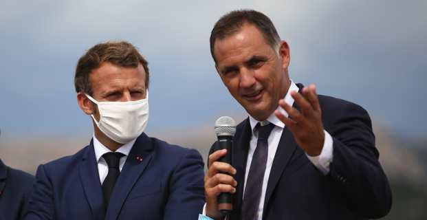 Le président de la République, Emmanuel Macron, et le président du Conseil exécutif de la Collectivité de Corse, Gilles Simeoni, en septembre 2020 à Bunifaziu. (Photo Florent Selvini)