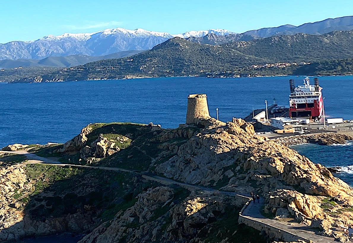 La photo du jour : Lisula vue depuis le chemin des Îles