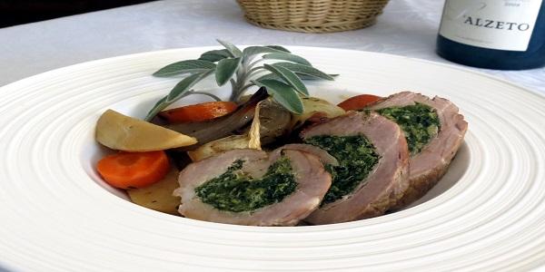 A table :  médaillons de porc farcis aux blettes et au brocciu
