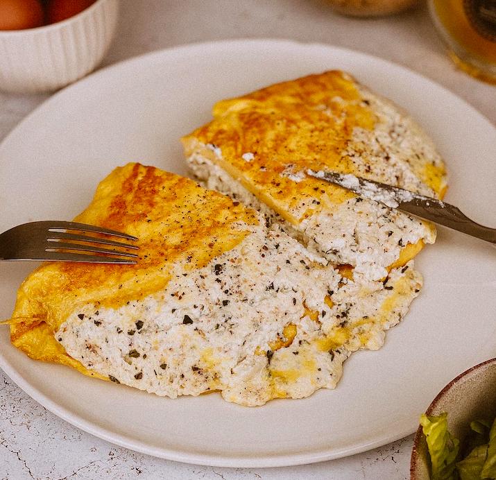 A Table : L'omelette au brocciu frais de brebis avec... la Petite Cuisine de Marie