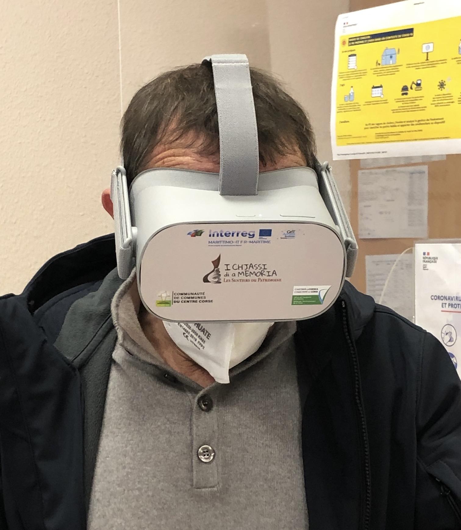 Masque de réalité virtuelle.