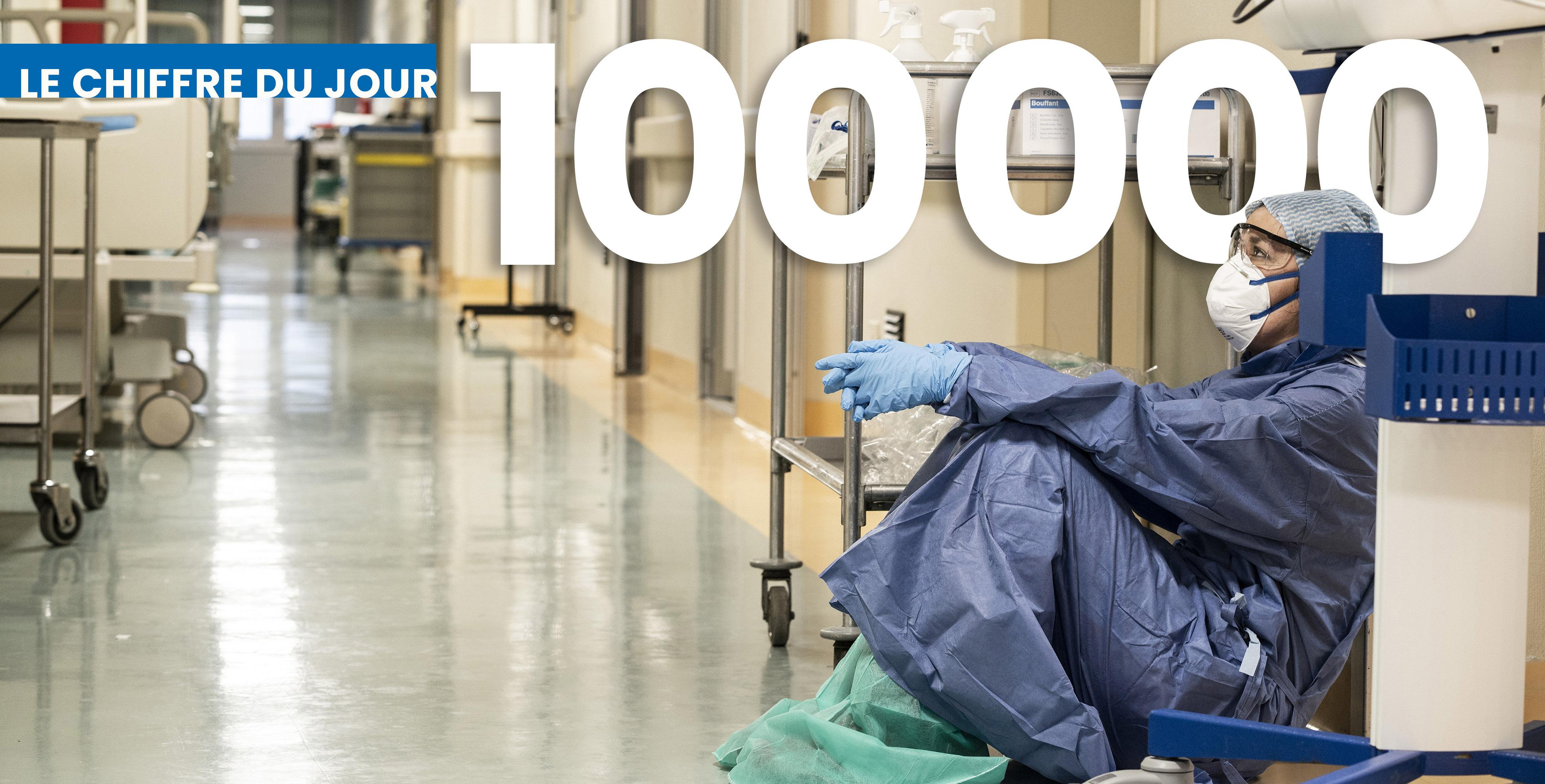 Une infirmière épuisée de l'hôpital San Salvatore, à Pesaro en Italie © A. Giuliani