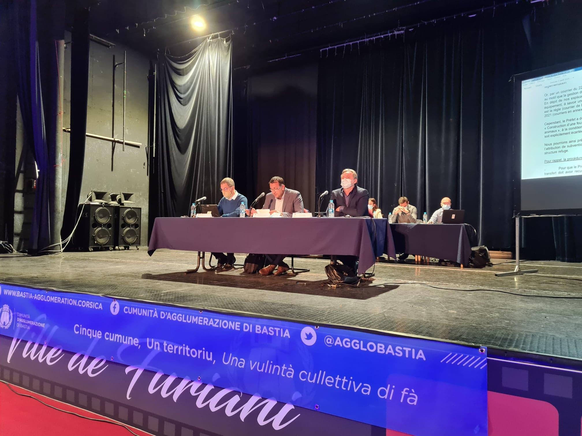 Le théâtre de Furiani a connu un débat enflammé entre la majorité communautaire et l'opposition lors du conseil communautaire de ce vendredi 2 avril 2021. Crédits Photo : Pierre-Manuel Pescetti