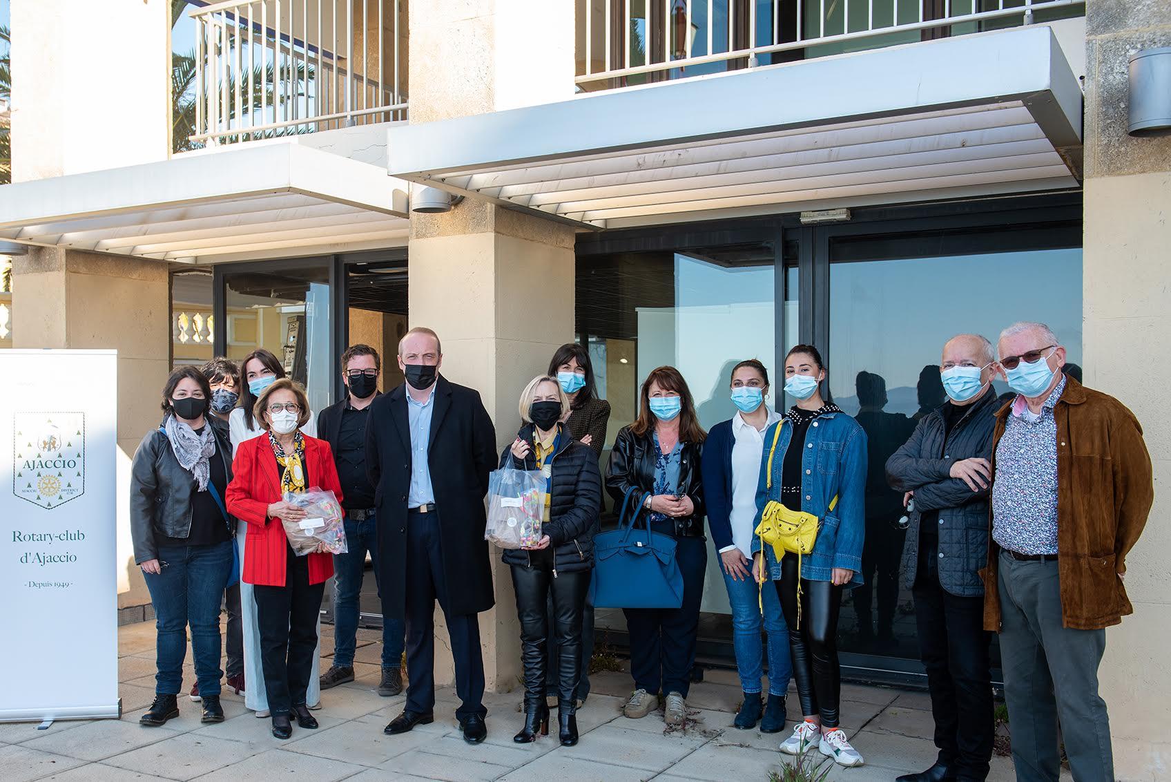 """Rotary-club d'Ajaccio : """"merci aux agents du centre de vaccination de l'espace Diamant"""""""