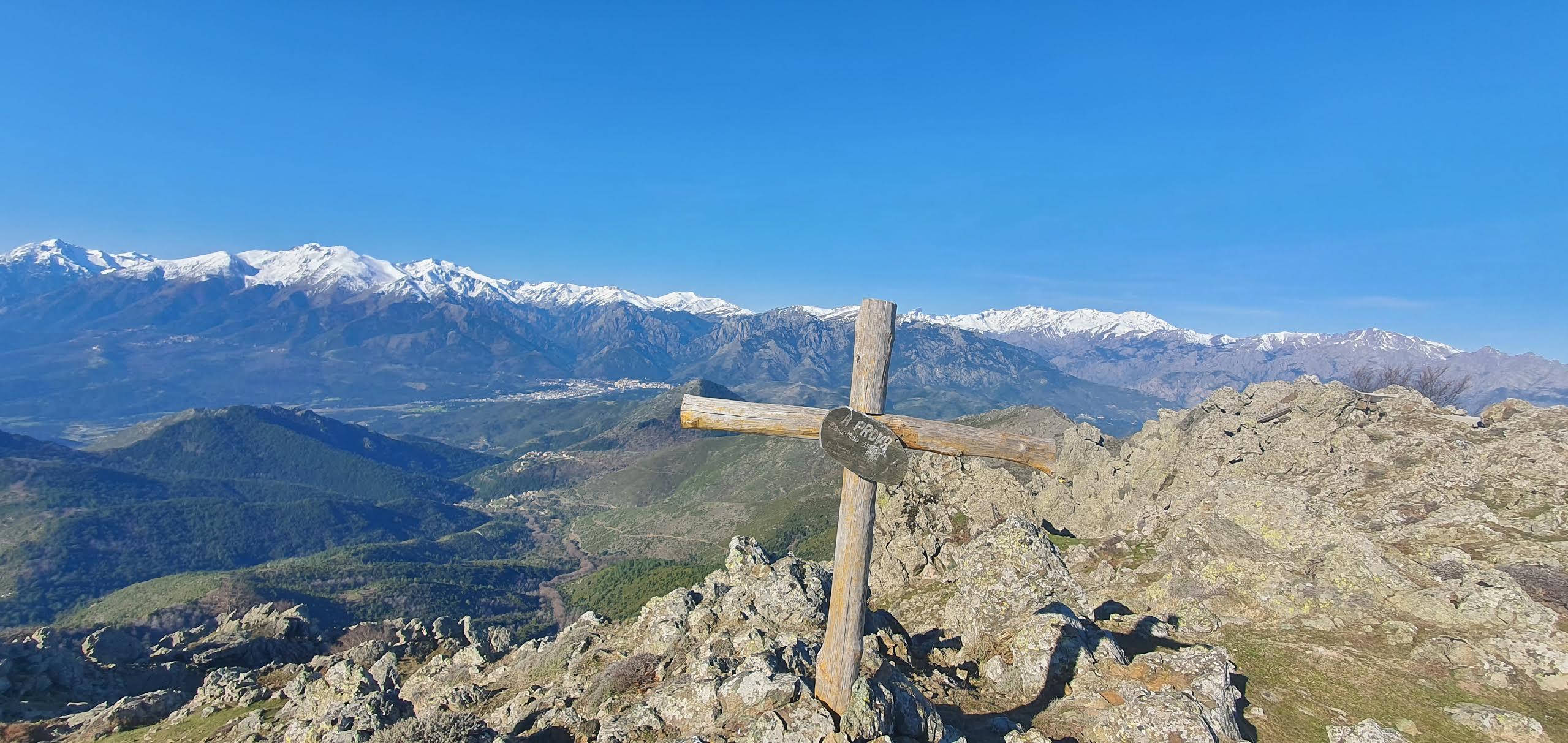 La photo du jour : au sommet du Monte Pianu Maiò