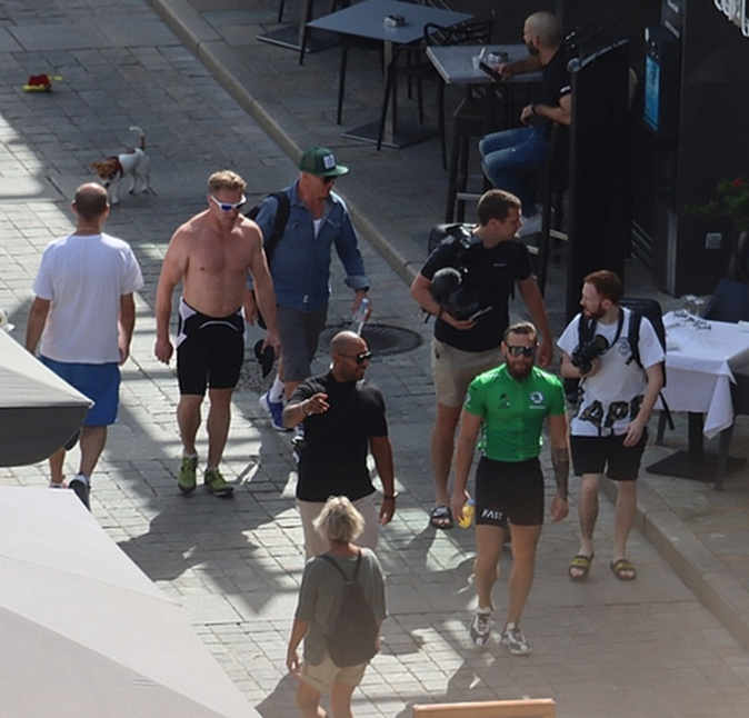 Mc Gregor (en vert) lors de son séjour à Calvi