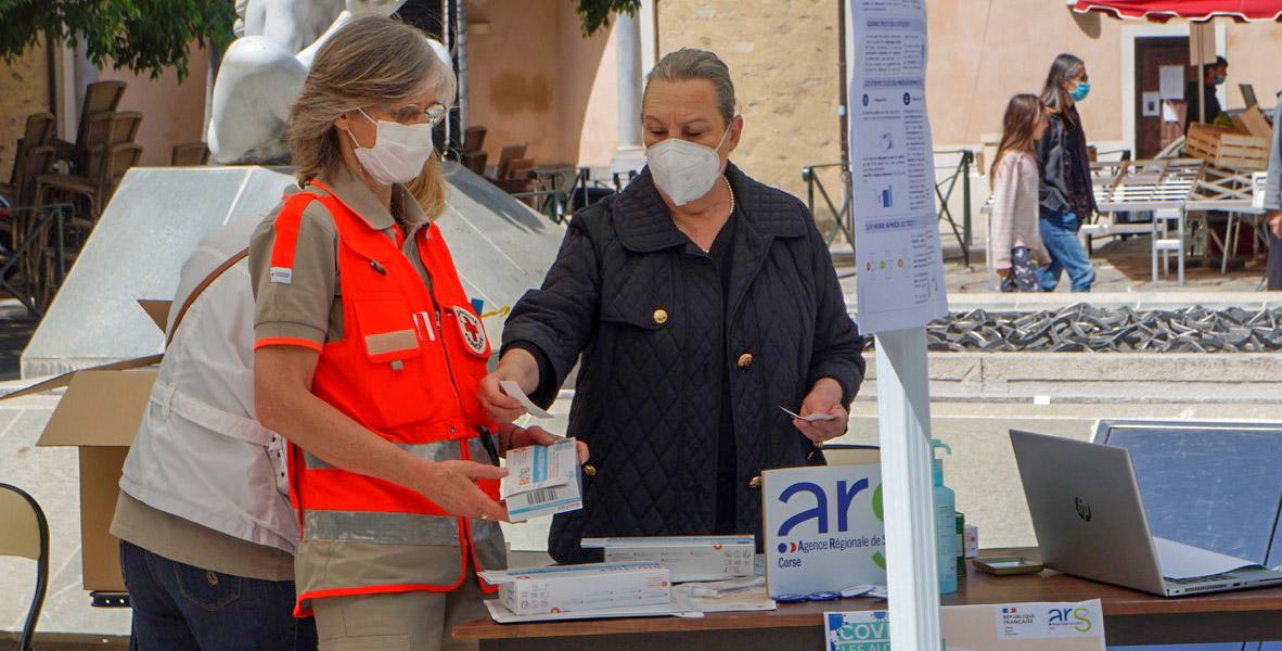 Covid-19 : Des autotests distribués gratuitement au marché de Bastia