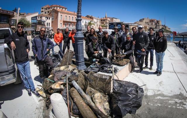 Nettoyage de printemps au port de Calvi