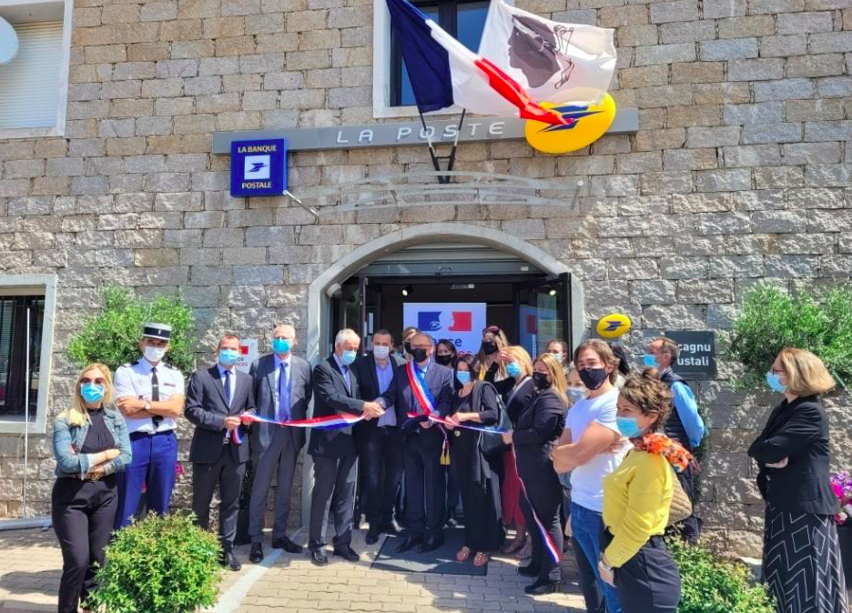 Le préfet de Corse Pascal Lelarge, le sous-préfet de Sartène Arnaud Gillet, le député Paul-André Colombani et le directeur de La Poste de Corse Pascal Mariani étaient présents pour l'inauguration de la structure France Services