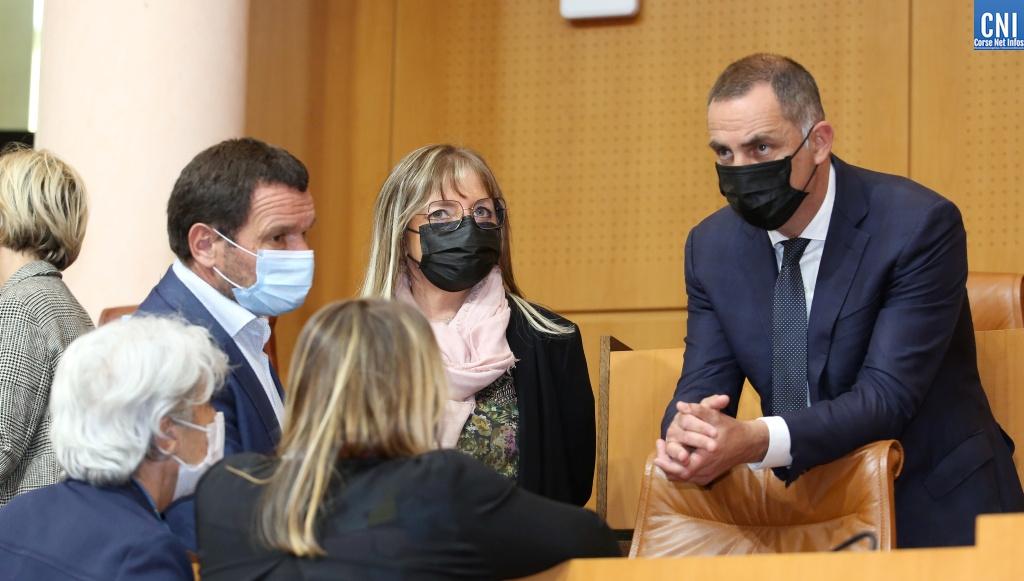 Le président Gilles Simeoni et des élus de Femu a Corsica à l'Assemblée de Corse. Photo Michel Luccioni.