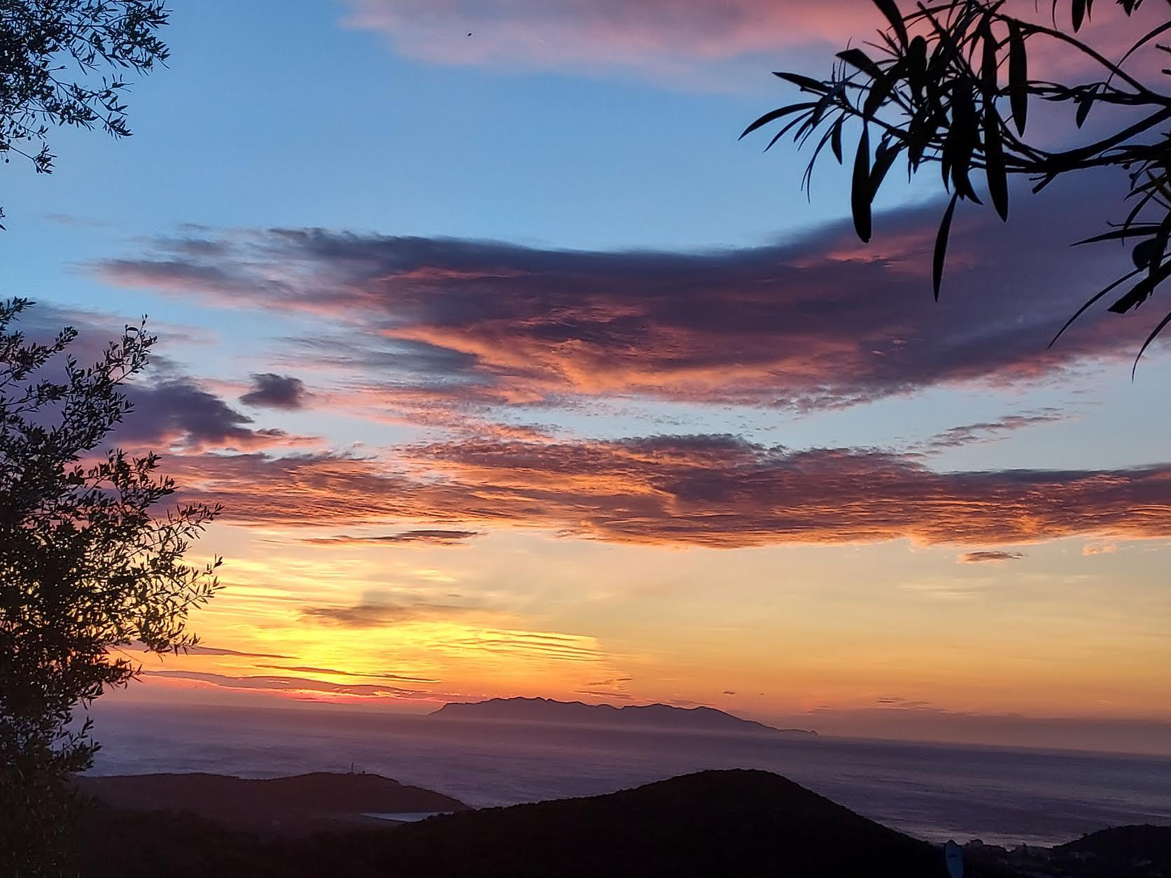 La photo du jour : lever de soleil sur Capraia