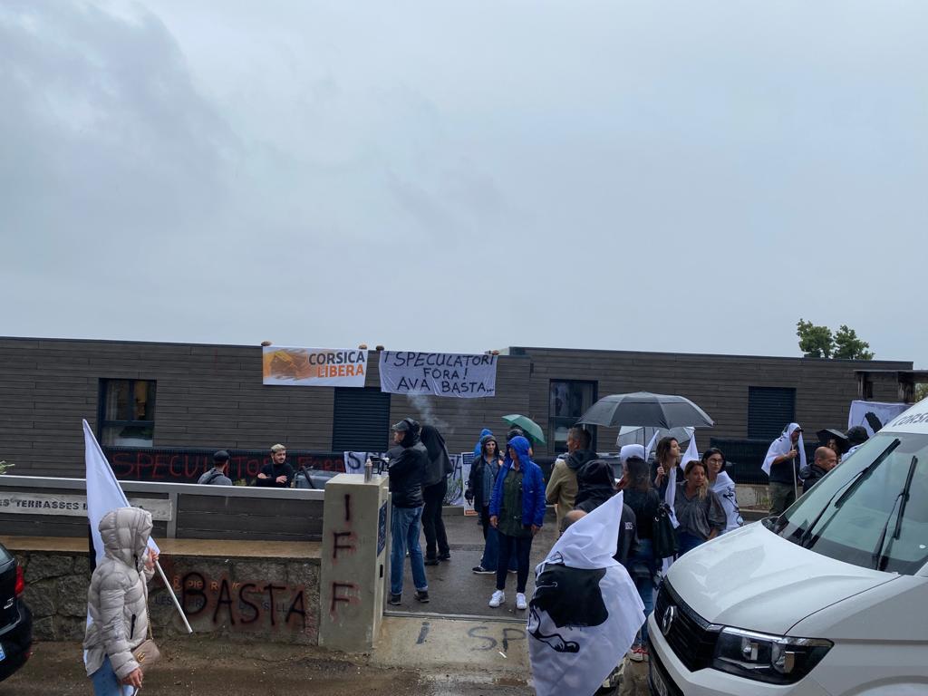 «Speculazione Fora» : Corsica Libera occupe une résidence hôtelière à Lecci