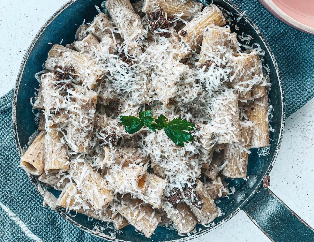 A table : Pâtes crémeuses à la tapenade d'olives noires avec La petite cuisine de Marie