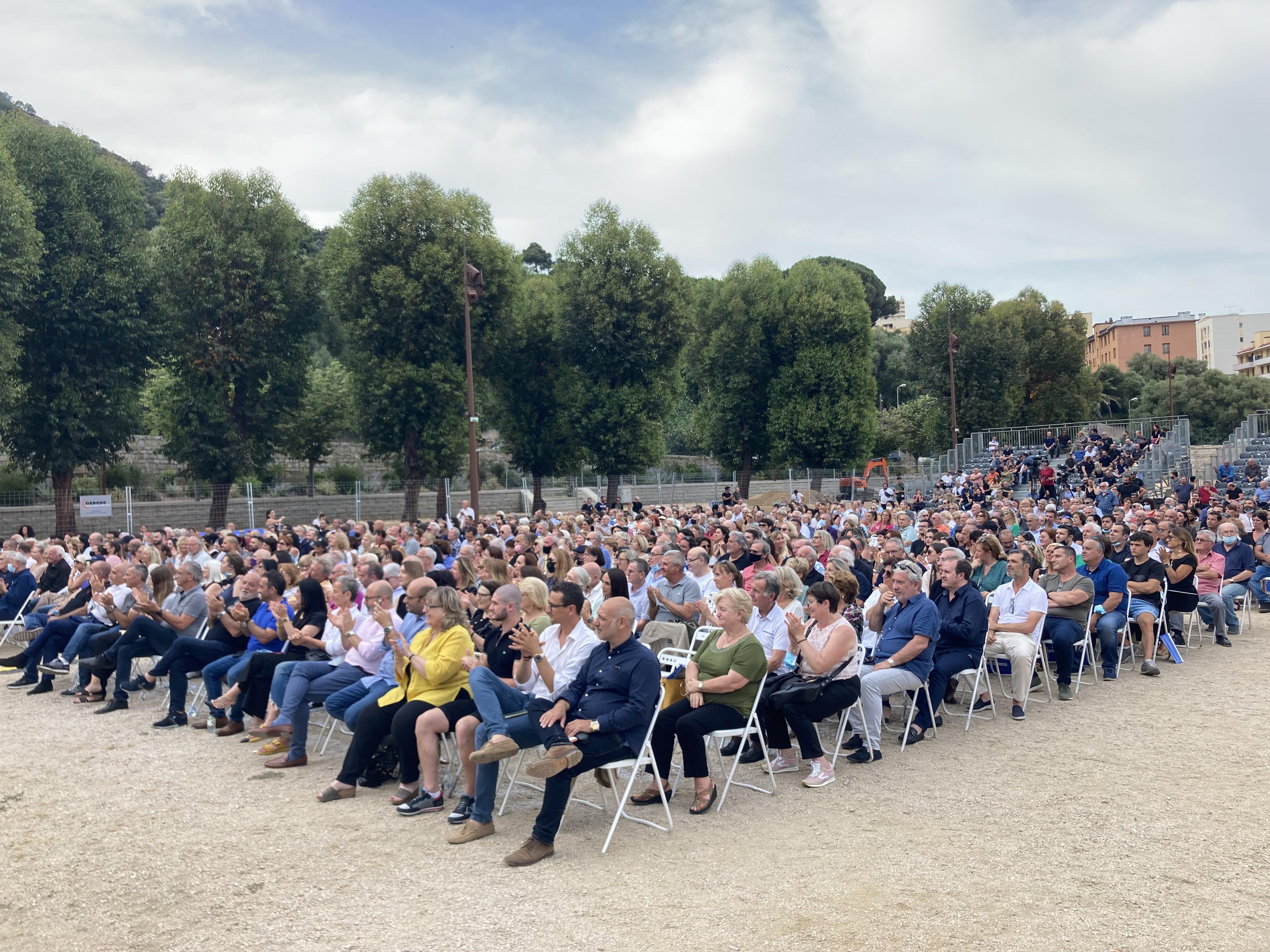 Une foule en nombre était au rendez-vous pour ce dernier meeting à Ajaccio. Photo : Julia Sereni