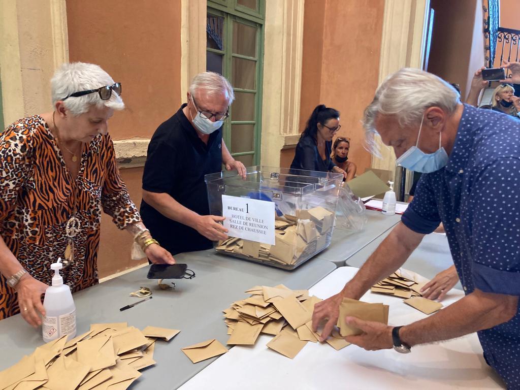 Territoriales 2021 en Corse : les bureaux de vote fermés, le dépouillement commence