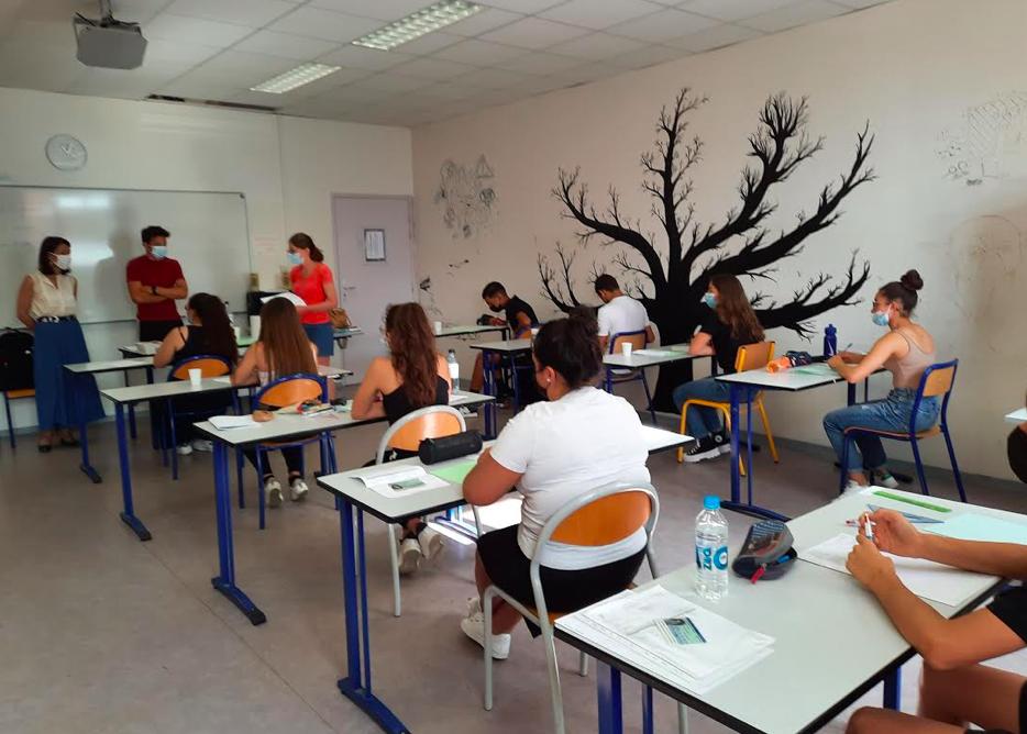 Ce matin, la rectrice Julie Benetti était au collège Arthur Giovoni pour l'ouverture des sujets de l'épreuve de français du diplôme national du brevet (DNB). Elle a encouragé les 180 élèves présents et leur a souhaité une belle réussite pour ce premier examen.