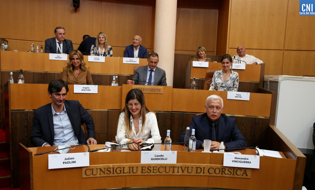 Le nouveau Conseil exécutif de Corse. Photo Michel Luccioni.