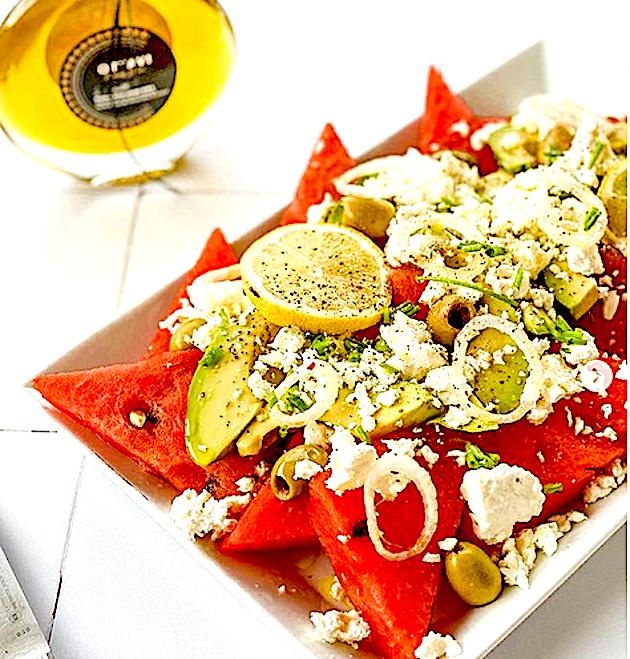 A table : salade de saison avec de la pastèque avec La petite cuisine de Marie