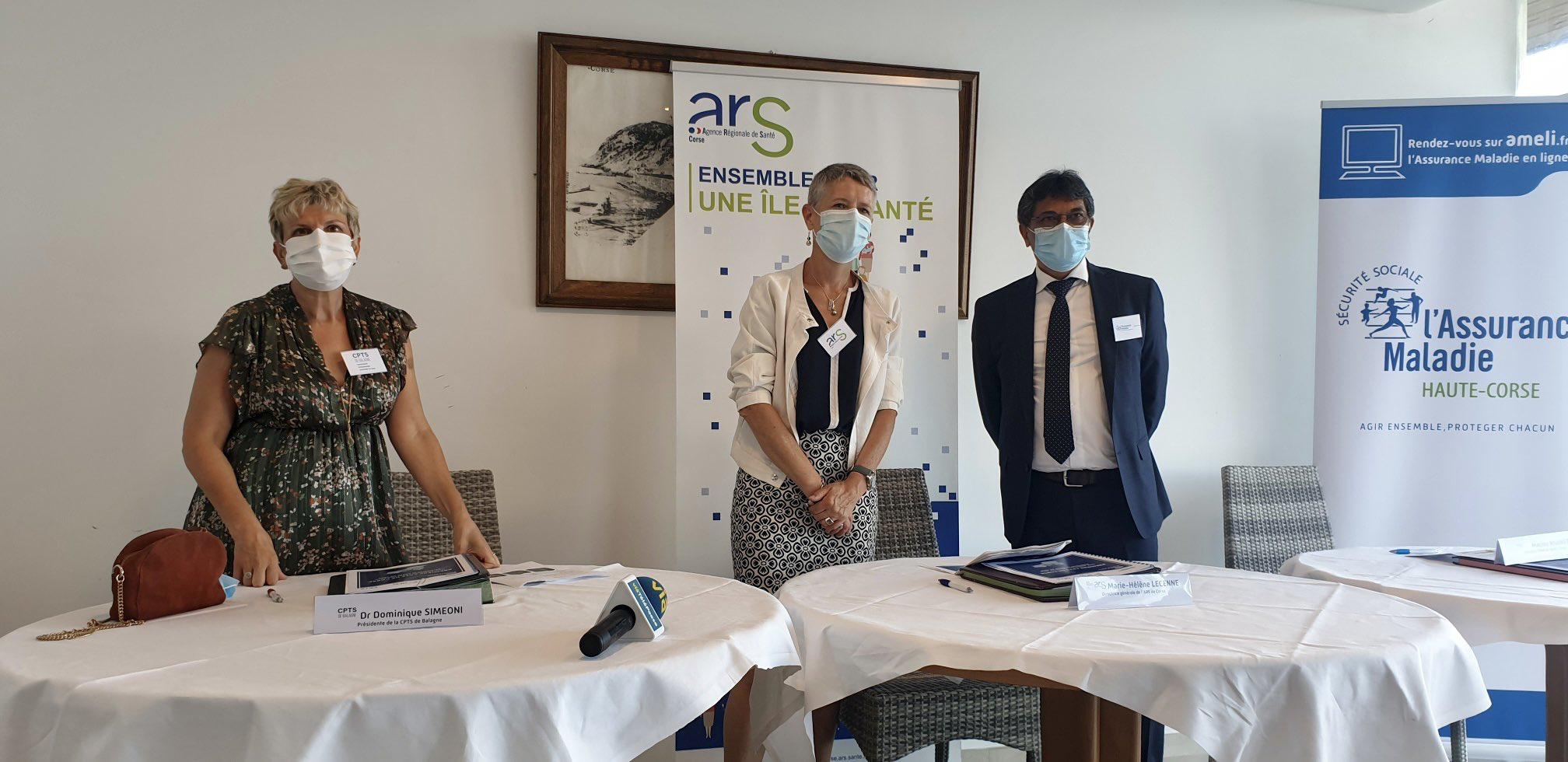 Dominique Simeoni, présidente de la CPTS aux côtés de la directrice de l'ARS et du directeur de l'assurance maladie.