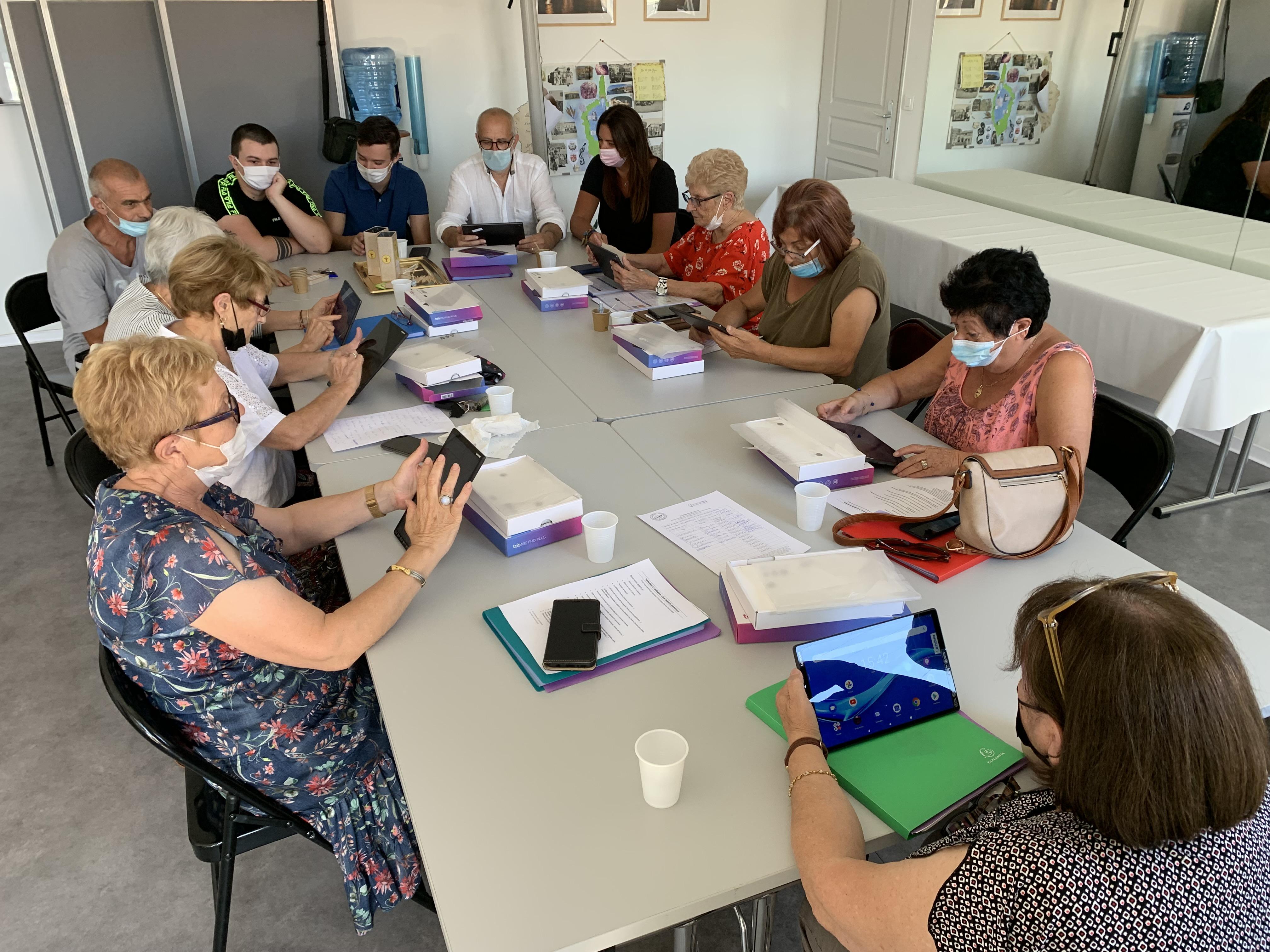 Bastia : Les seniors initiés au numérique !