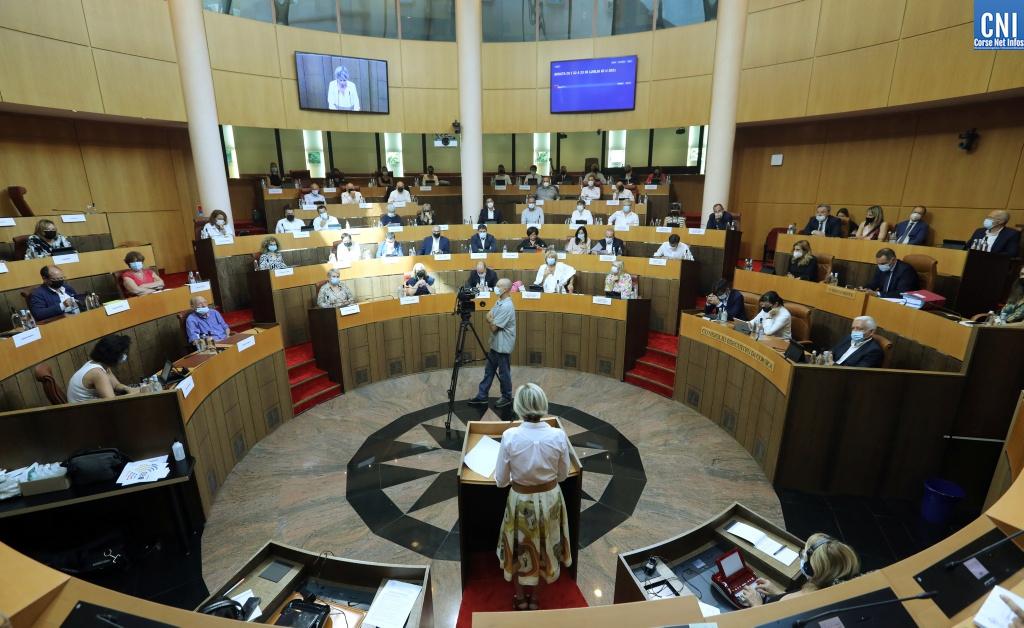 L'Assemblée de Corse en effectif réduit pour cause de jauge sanitaire. Photo Michel Luccioni.