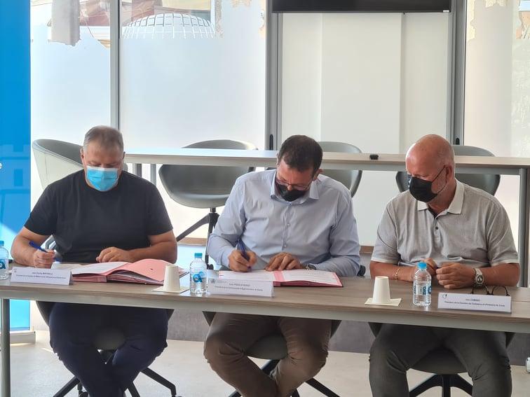 De gauche à droite : Jean-Charles Martinelli, président de la CMA de Corse, Louis Pozzo di Borgo, président de la CAB et Jean Dominici, président de la CCI de Corse. Crédits Photo : Pierre-Manuel Pescetti