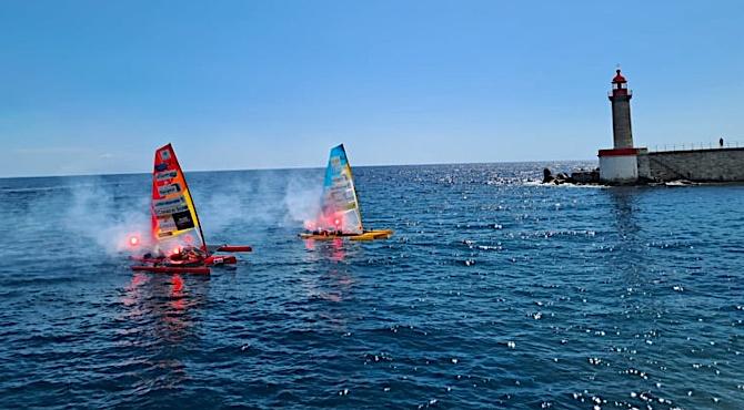 Il est 11 heures 30 ce vendredi 6 août et les deux trimarans arrivent au port de Bastia. Crédits Photo : Pierre-Manuel Pescetti