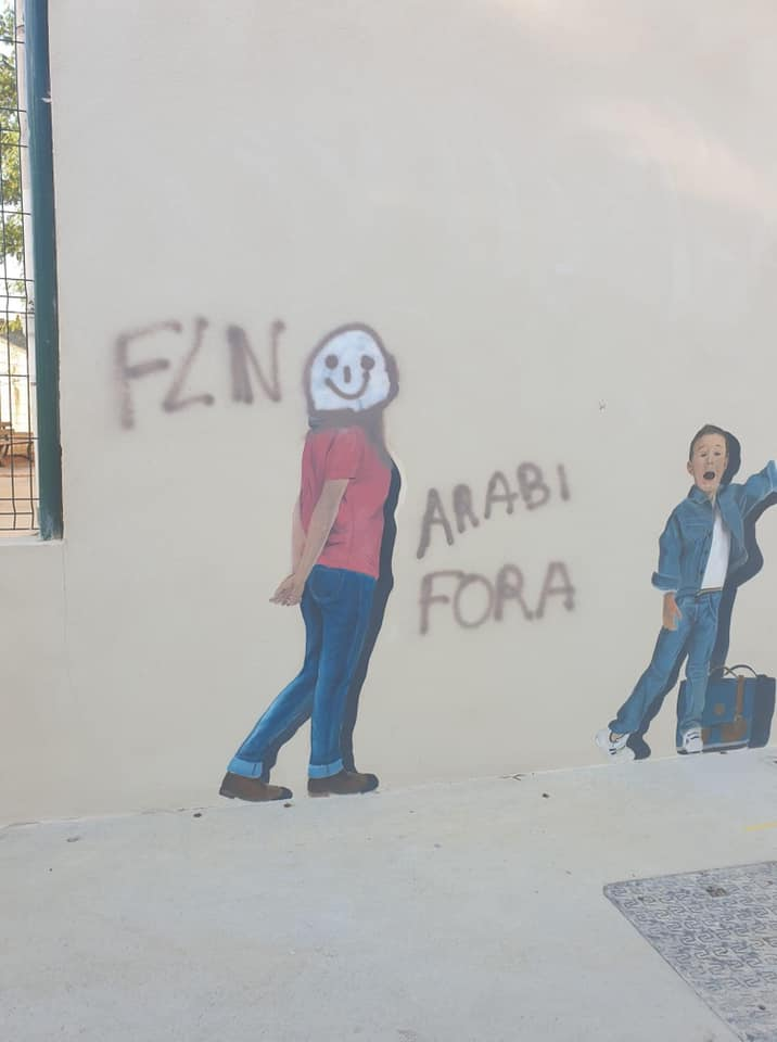 San Martinu di Lota : tags racistes sur les murs de l'école