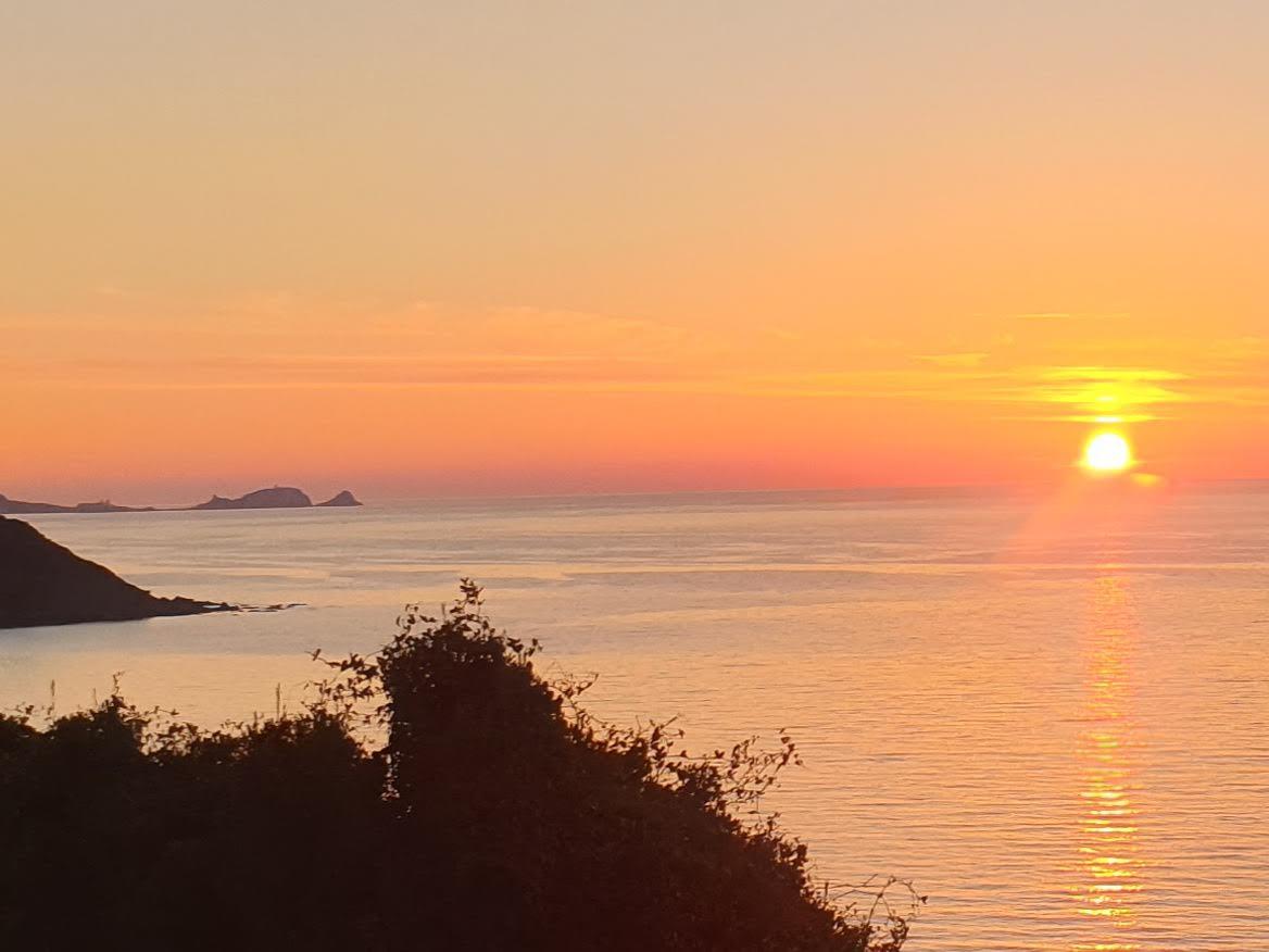Coucher de soleil sur la pointe de Lisula Rossa (Jeanine Luciani)