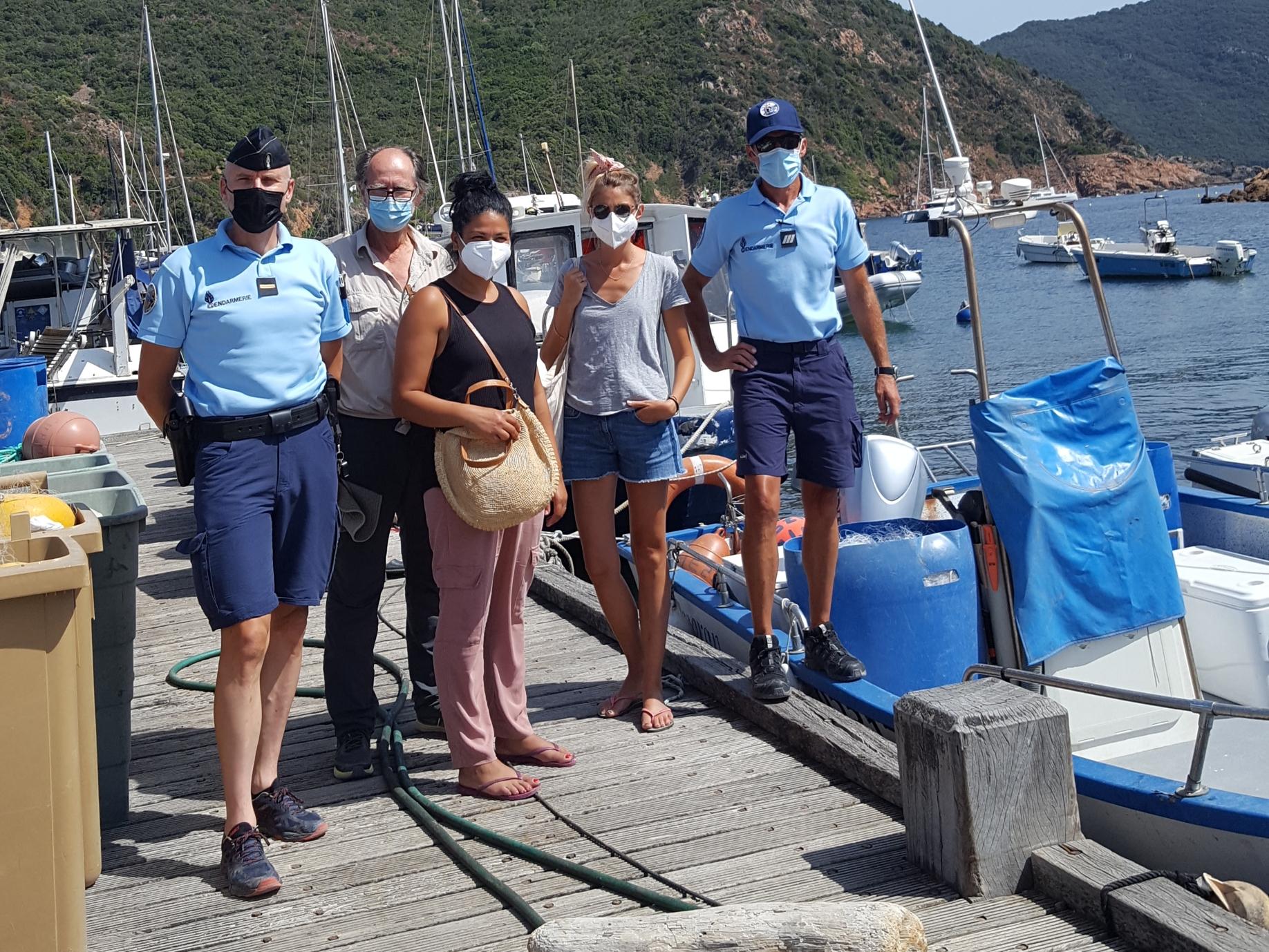Les équipes de la brigade nautique de la gendarmerie de Corse avec Jean-François Lucciani, adjoint au maire d'Osani, le docteur Sophie DESNAULT et l'infirmière Sana Klai. Crédits Photo : Gendarmerie de Corse
