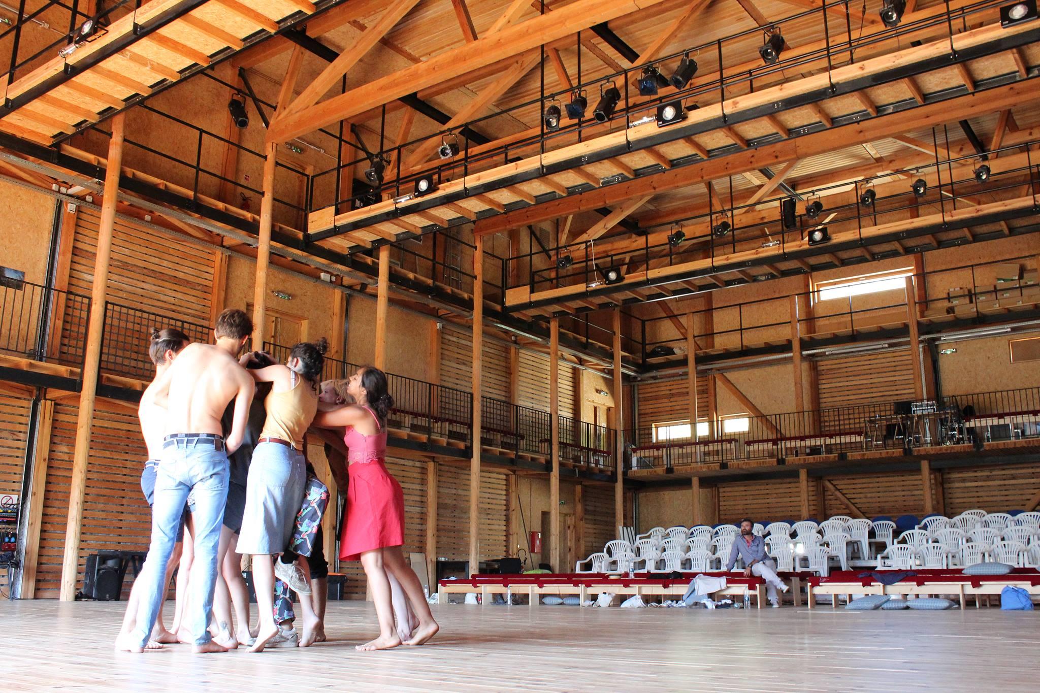 Le théâtre A Stazzona à Pioggola est un lieu bouillonnant de créativité tout au long de l'année. Crédits Photo : L'Aria