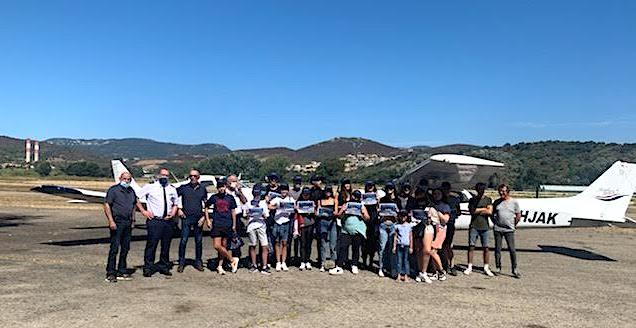 Un vol au-dessus du golfe d'Ajaccio pour dix-huit collégiens
