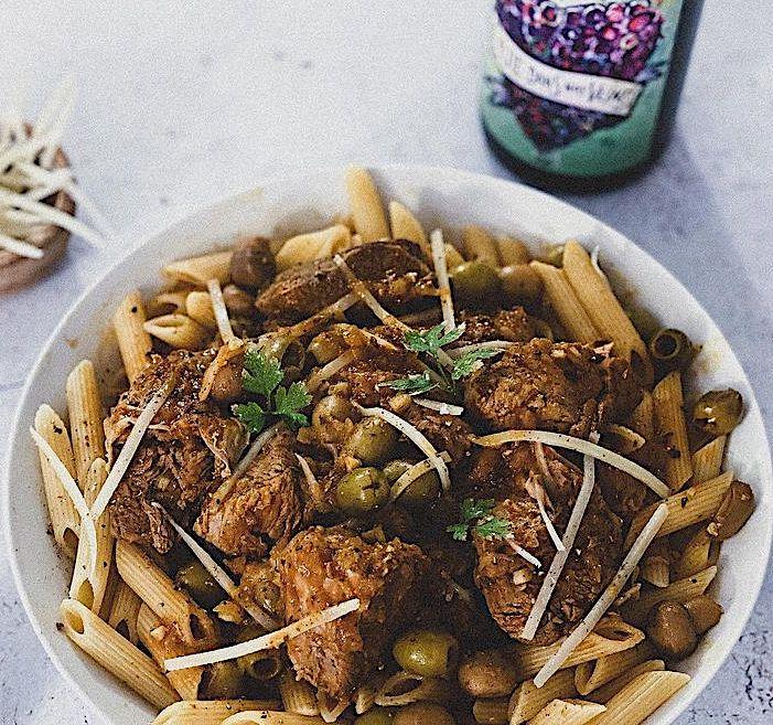 A table : sauté de veau aux olives et champignons avec La petite cuisine de Marie