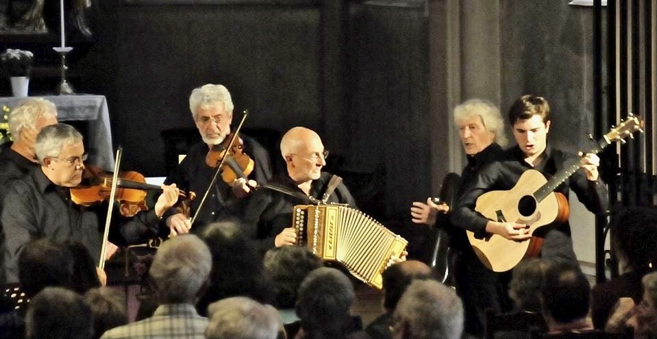 Le groupe Caramusa avec Christian Andreani à l'accordéon. Photo Caramusa.