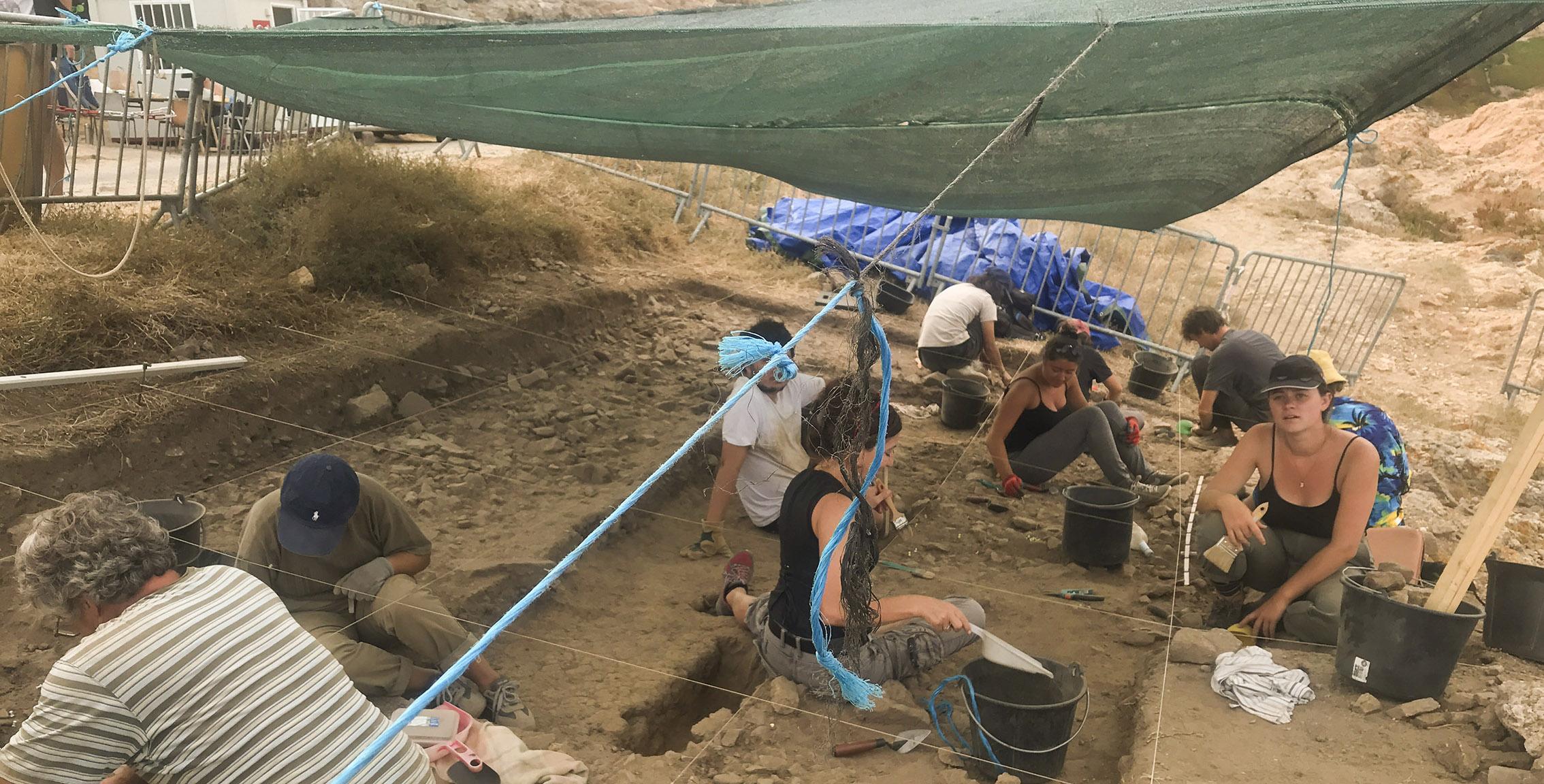 Les fouilles à la pointe de la Pietra