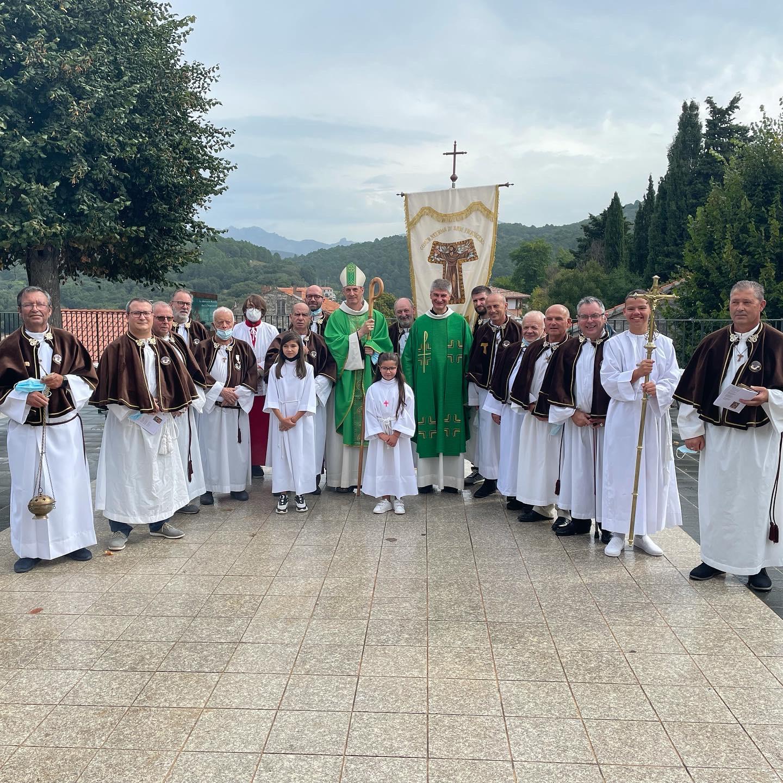 Messe d'installation du Père Grégoire JASKIEWICZ, Curé des paroisses des unités de Levie et Scopamene