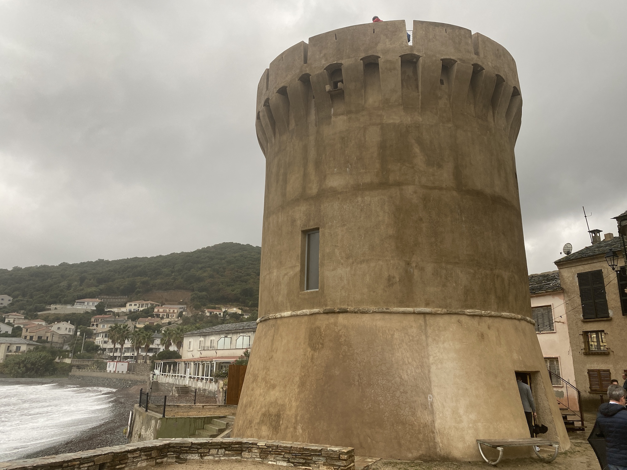 La tour de Miomu a fait peau neuve, elle sera désormais visitable