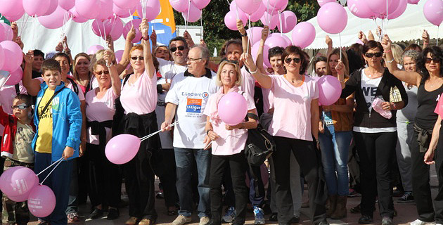 Les participants à La Marche Contre le Cancer / Photos Marilyne SANTI