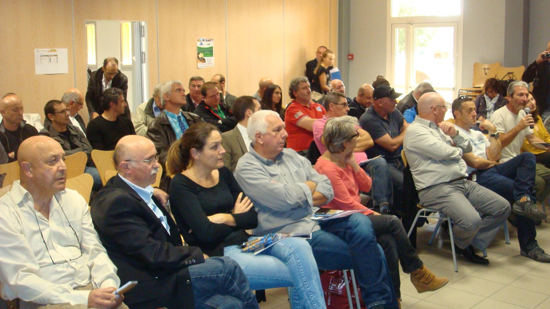Des élus et chefs d'entreprises venus en grand nombre prendre connaissance du concept Alba Nova (Photo Stéphane Gamant)