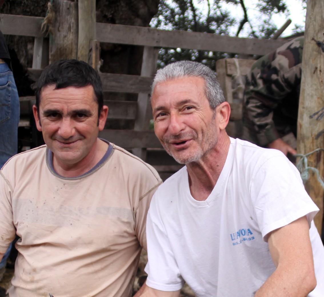 Joseph Colombani en compagnie de Jacques Castellani, fils de Michel lors de la dernière Tundera à Aregnu