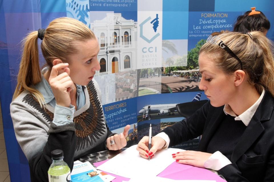 Des conseils ont été prodigués durant toute l'après midi aux jeunes créateurs d'entreprises. (Photo SG).