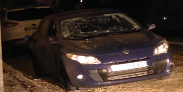 La voiture endommagée à Ajaccio