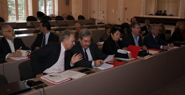 Les membres du Comité stratégique, lors de la réunion d'installation.