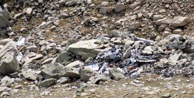 Les débris de l'appareil à l'endroit du crash
