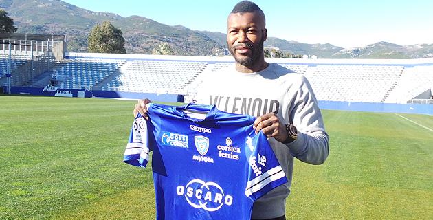 """Djibril Cissé  : """"Le top 10 pour le Sporting, c'est raisonnable et faisable"""""""