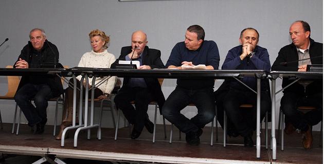 Les élus du canton de Ghisoni solidaires. (Photo Stéphane Gamant)