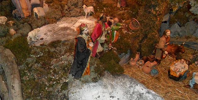 Gaspard, Melchior et Balthazar en visite à la crèche, le jour de l'Epiphanie.