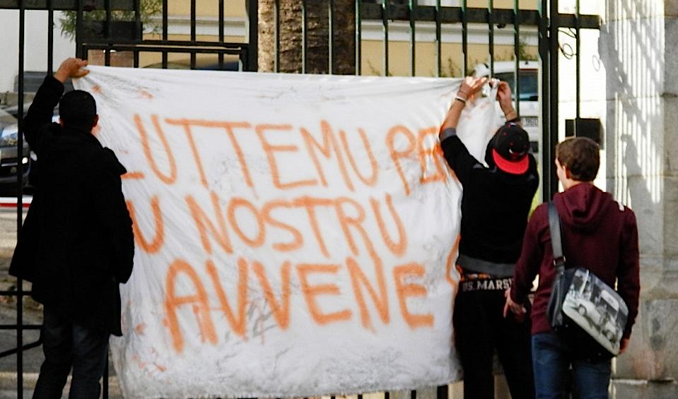 Les manifestations des lycéens dégénèrent