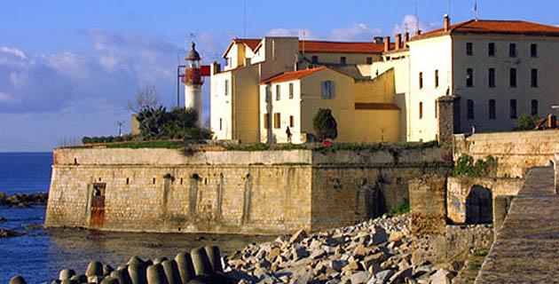 Etude historique de la Citadelle d'Ajaccio : Un scénario, cinq personnages, cinq faits importants