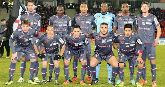 Nouvelle équipe, nouvelle langue aussi, mais surtout un état d'esprit retrouvé face à Evian (Ritrattu : G.Pierlovisi ac-ajaccio.com)